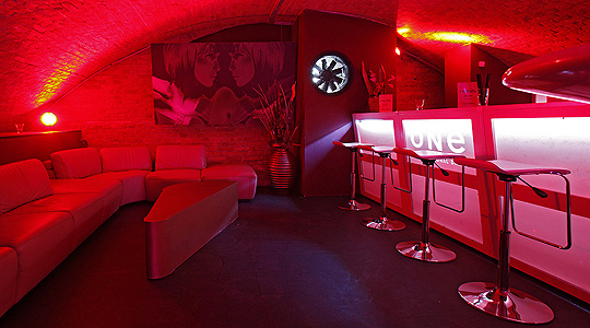 Golden Room Eventlocation Partylocation Partyraum Club Mieten Berlin Friedrichshain
