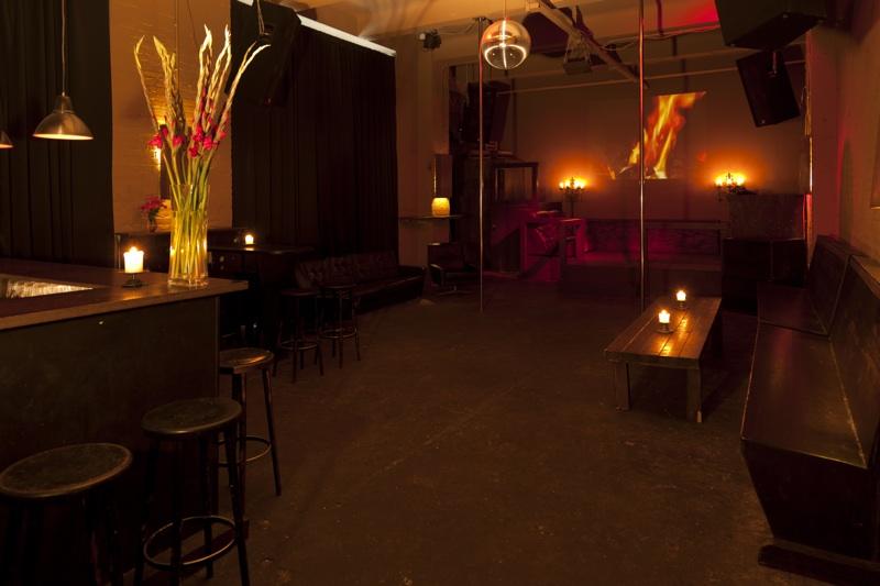 szene club n he moritzplatz in kreuzberg allgemein partyraum und partyr ume in berlin zum mieten. Black Bedroom Furniture Sets. Home Design Ideas