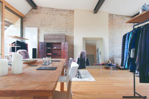 eventlocation penthouse in kreuzberg loft wohnung roof top studio dachterrasse partyraum. Black Bedroom Furniture Sets. Home Design Ideas