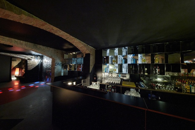 club bar zum mieten in stilvollem gew lbe flair in kreuzberg. Black Bedroom Furniture Sets. Home Design Ideas