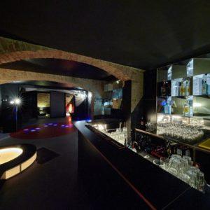 Club Restaurant & Bar zum Mieten in stilvollem Gewölbe-Flair in Kreuzberg