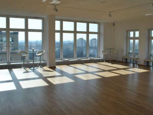 dachgeschoss studio loft mit traumhaftem blick ber die d cher von berlin mitte partyraum. Black Bedroom Furniture Sets. Home Design Ideas