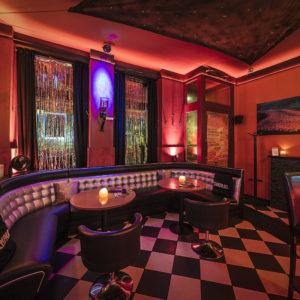 Cocktailbar mit Tanzfläche in Berlin Friedrichshain