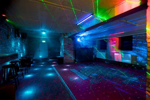 Club in Charlottenburg mit Tanzfläche zum Mieten zum Geburtstag oder Firmenfeier