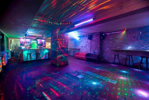 Partyraum in Charlottenburg nahe Tiergarten mit Tanzfläche zum Mieten